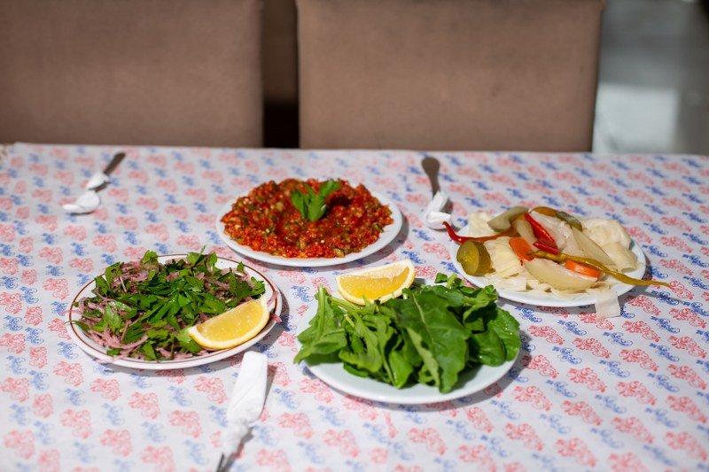 Salata - Yeşillik - Turşu İkramlar